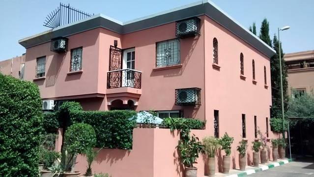 ap5026 / appartement rez de jardin / 1 chambre / en ville route de ...